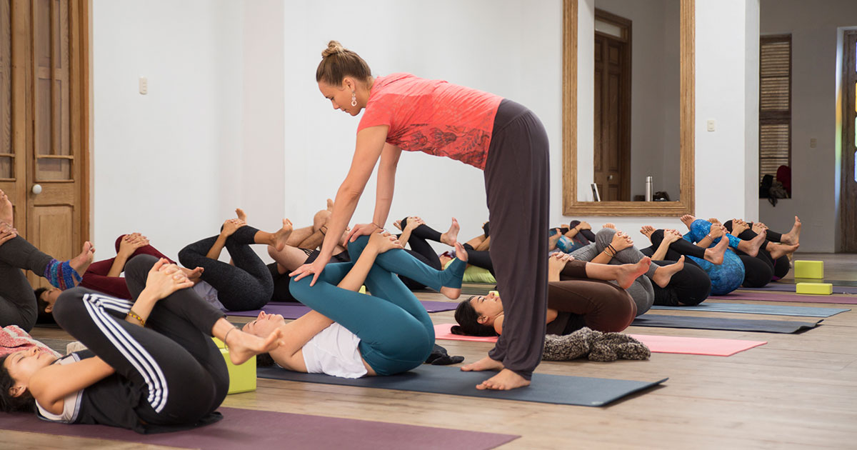 world yoga institute course online therapeutic yoga 10 2019 featured image